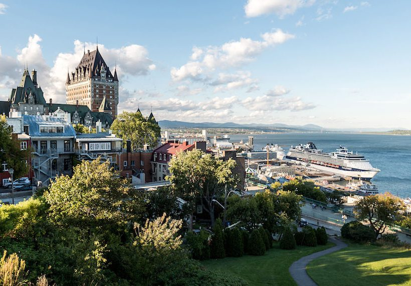 Pasea tranquilamente por el Viejo Quebec.