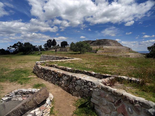 Destinos de viaje en Latinoamérica: Santuario de Luciérnagas, Cacaxtla, Mexico.